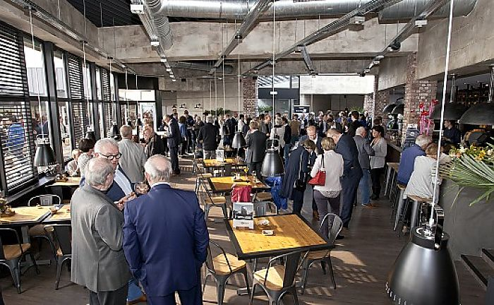 * Groningse geeks en innovators welkom bij nationale Hackaton * Innovatiecentrum op Zernike zorgt voor 100 nieuwe banen *