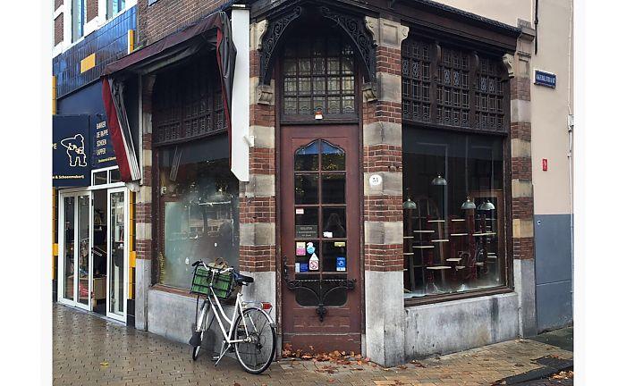 * Zwanestraat in de race voor Leukste Winkelstraat van Nederland * Nieuwe eigenaar van De Drie Gezusters wil doorbouwen aan huidige concept * TNO naar Zernike *